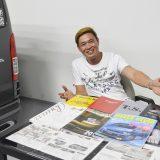 【画像】シンガポールで発見! 「ハイエース」カスタムが意外にハイレベル!!