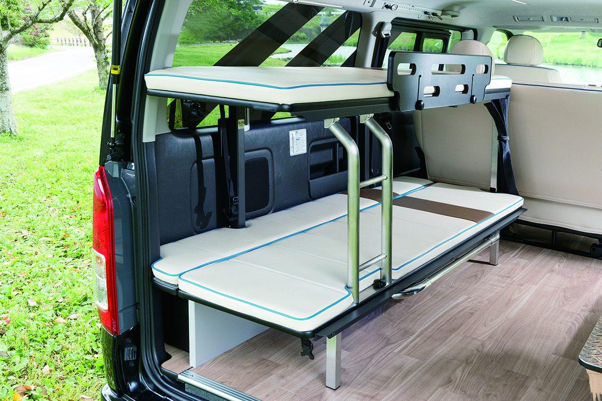 車中泊も可能な「ハイエースコンプリートカー」は車両価格+10万円から