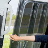 【画像】ミニバンのスライドドアが「ワンタッチ」で開閉可能に!!