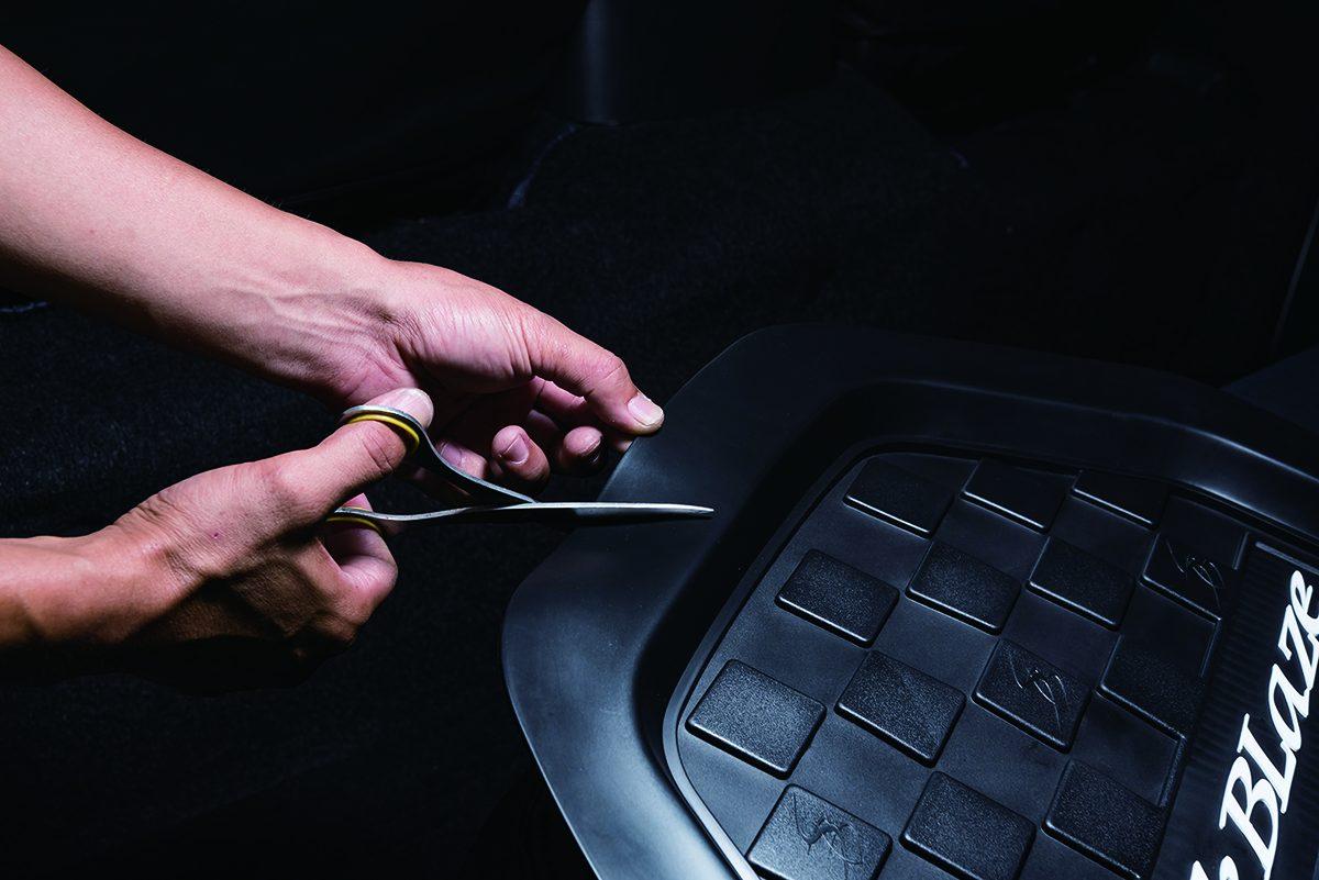 フロアマット、シルクブレイズ、汚れ防止、車内綺麗、ハイエーススタイル