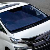 【画像】ブルーなのに車検対応!高い遮熱効果を発揮するフロントガラス