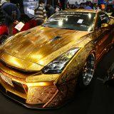 【画像】海外のモーターショーに日本のカスタム界が「金ピカGT-R」で殴り込み!