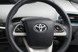 トヨタ・ナビレディパッケージ車に「楽ナビ」を簡単取り付けできるキットがあるらしい