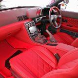第2世代GT-Rへ、内装リペアのついでに今風のアレンジを提案【ガレージヨシダ】