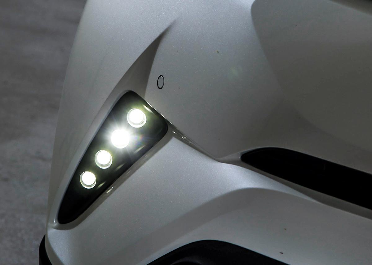 chr コーナーカバー ホールカバー シックスセンス LED