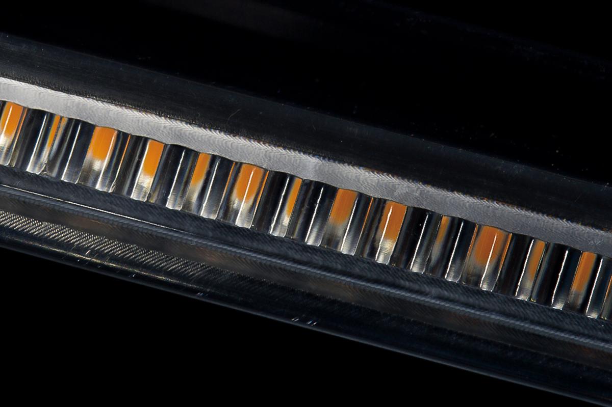 スマート LED シーケンシャルウインカー ヴェルファイア 流れる