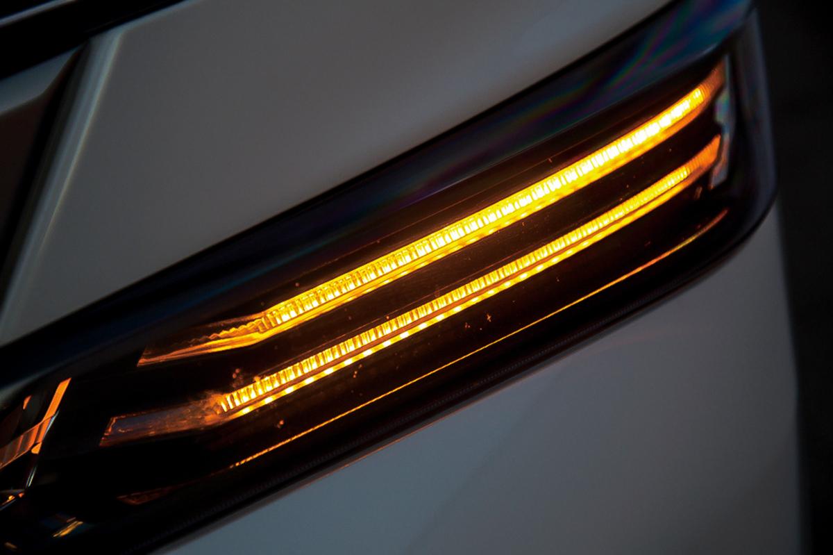 スマート LED シーケンシャルウインカー ヴェルファイア