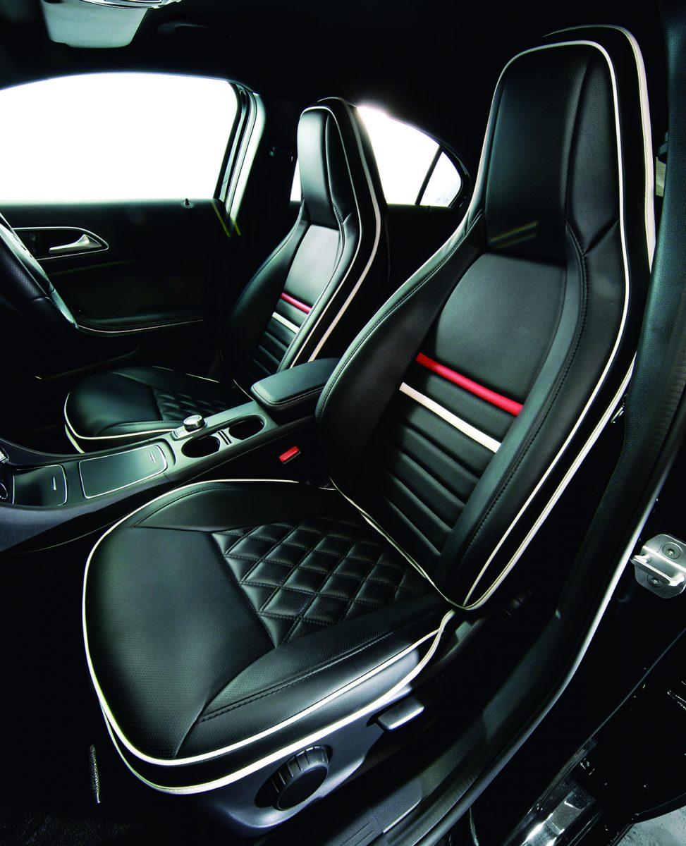 シートカバーの概念を覆す、立体成型を採用する「シートジャケット」