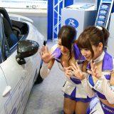 【画像】ミラーの死角のクルマをキャッチ!後付けできる「最新安全運転サポート」!