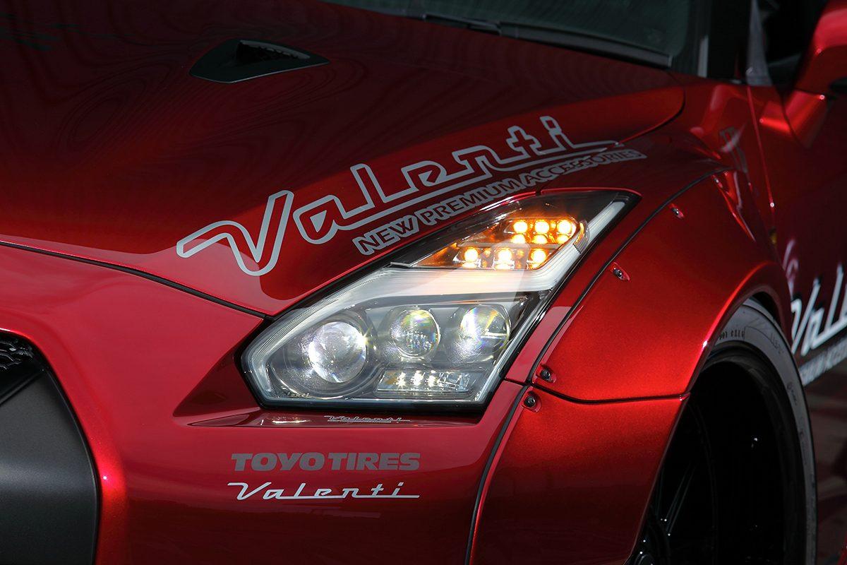 発売決定!! R35 GT-R用ヘッドライトには「ヴァレンティ」流儀の最新モードが宿る