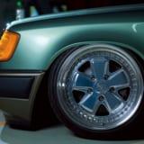 【画像】W124にこの低さは邪道? エアサスとネオクラとの競演で得た旧車の新スタイル