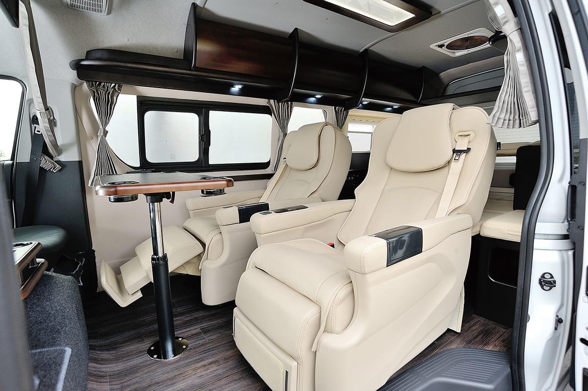 広さ、豪華さに敵なし。車中泊が楽しくなる4人乗りの8ナンバーコンプリートカー