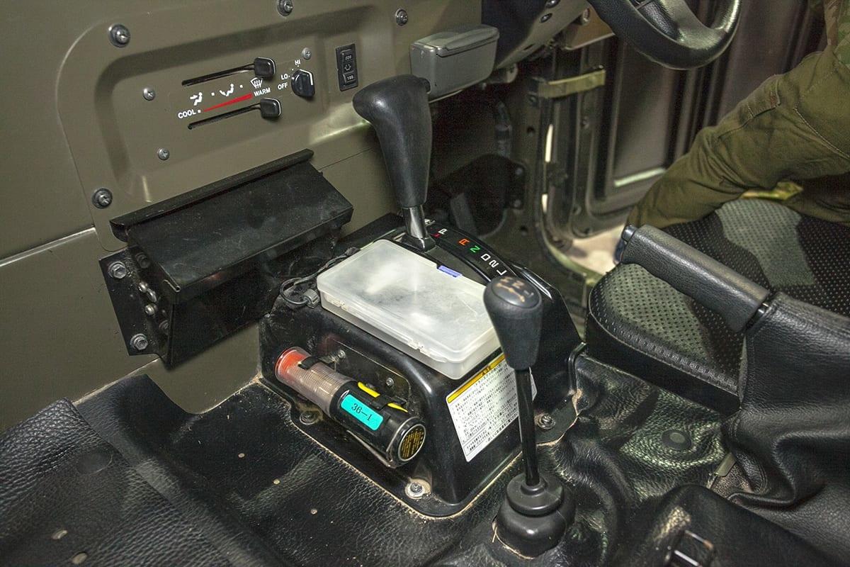 高機動車 自衛隊 大阪モーターショー メガクルーザー