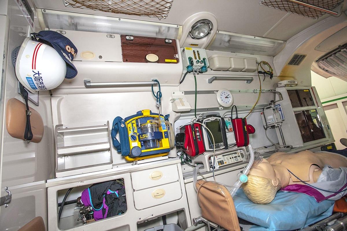 救急車 装備 ハイエース 働く車
