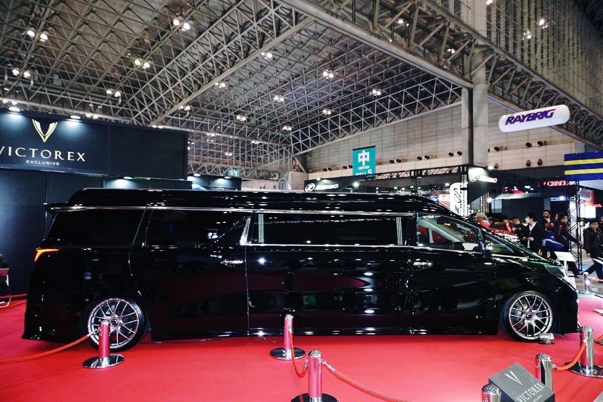 公認車検を取得した全長7mのヴェルファイアが再降臨【東京オートサロン2018】