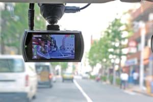 【2018年に買うべきドライブレコーダー9選】クラストップの超ワイドレンズで隅々まで鮮明な映像を記録する「Data System」
