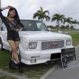 【画像】【南 唯莉の突撃リポート!】沖縄で見かけたクルマ達からの「大阪オートメッセ情報」