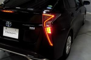 ハリアーとプリウスのブレーキ点灯を増やして安全性を確保する方法