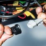 【画像】ハリアーとプリウスのブレーキ点灯を増やして安全性を確保する方法
