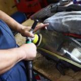 【画像】紫外線で黄ばんだヘッドライトが甦る!R33スカイラインGT-R用カバー発売