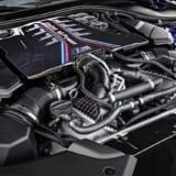 【画像】フランクフルト空港で「新型BMW M5」を発見! ハイパワーを支えるタイヤの正体は?
