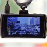 【画像】煽り運転の後続車も記録できる2カメラ・ドライブレコーダー「DVR3100」登場!