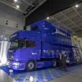 【画像】大型車の運転席が体験できる「ジャパントラックショー2018」が開幕!