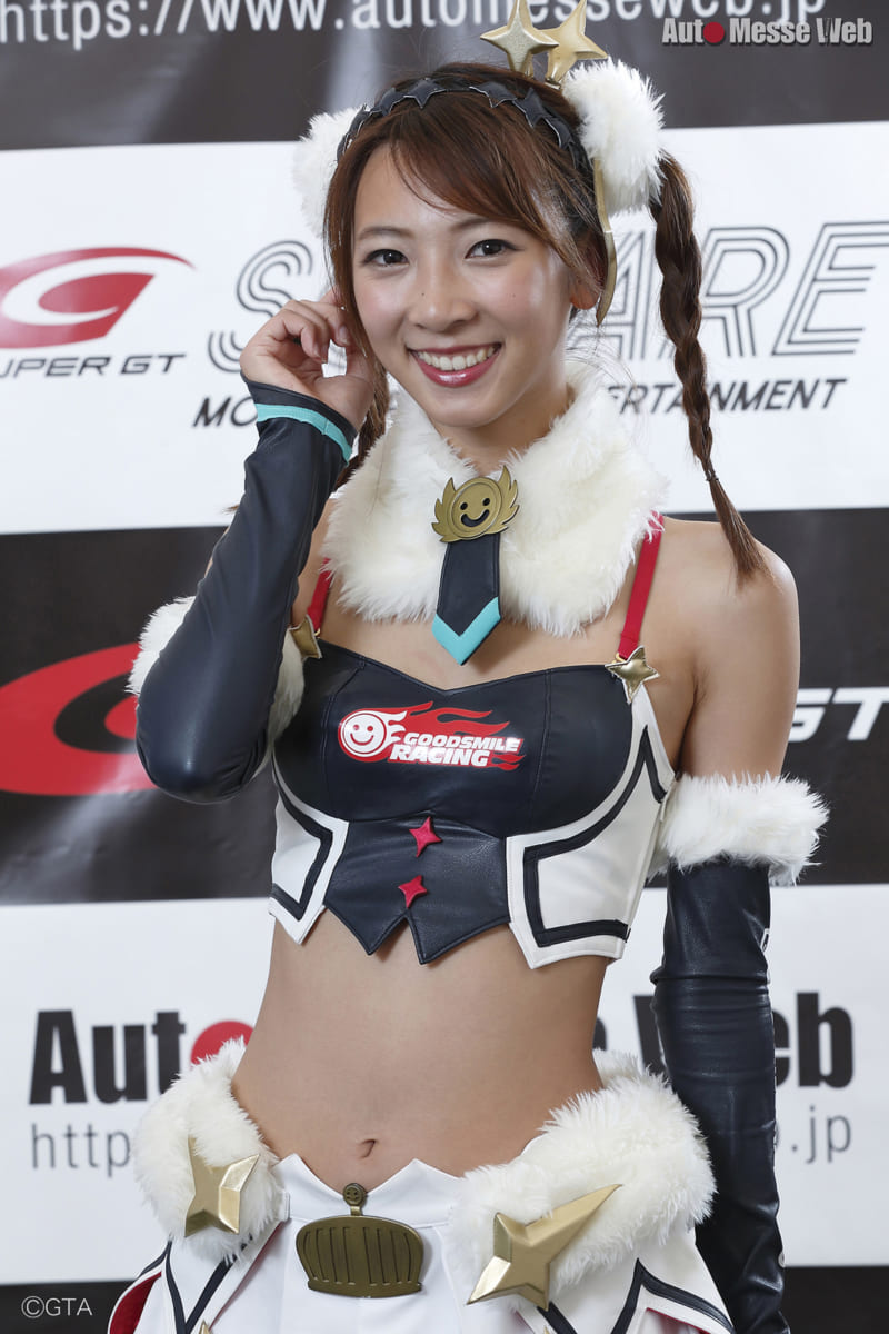 SUPER GT、スーパーGT、レースクイーン、RQ、#0、GOODSMILE RACING & TeamUKYO。鈴菜、宮越愛恵、香月わかな、荒井つかさ