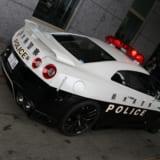 【画像】悲しいけど嬉しい!? R35GT-Rパトカーでも違反者はリアシートでキップにサイン