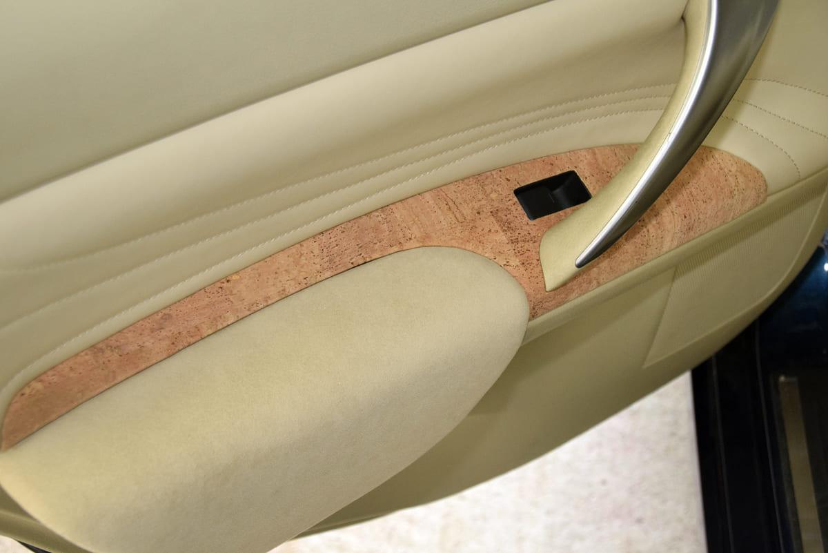 「コルク」を使った新感覚なインテリア素材をロブソンレザーが開発中