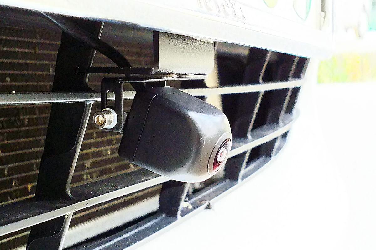 前後の死角をゼロにして安全運転を支援する「マルチビューカメラ」