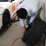 【画像】サーキット走行でタイヤの空気圧は「高めか?」「低めか?」