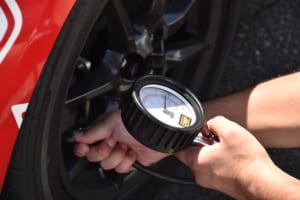 サーキット走行でタイヤの空気圧は「高めか?」「低めか?」