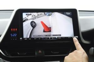 SUVの助手席側は見えにくい!「車種別サイドカメラ」で巻き込み事故を防止