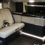 【画像】価格1680万円!! 高級ホテルに横付けできるBRABUSのキャンピングカー