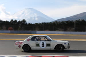 国産セダンがポルシェの前を走った日「スカイライン」モータースポーツ列伝