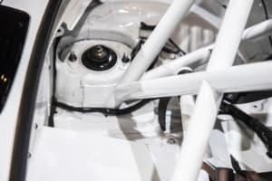 モータースポーツで見かける「ロールケージを導入するメリット&デメリット」