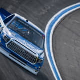 NASCARトラックシリーズ第8戦、服部監督が率いるHREは3戦連続トップ10フィニッシュ