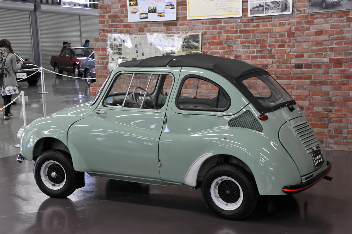 軽自動車は最初スバル360リヤエンジンリヤ駆動から