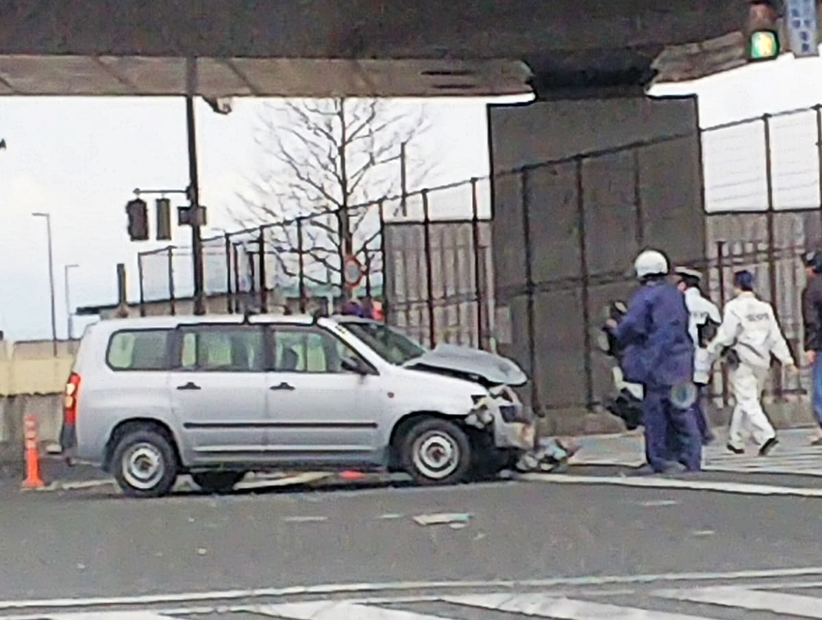 事故が起きても保険金が支払われないことも!自動車保険の「告知義務」と「通知義務」の重要性