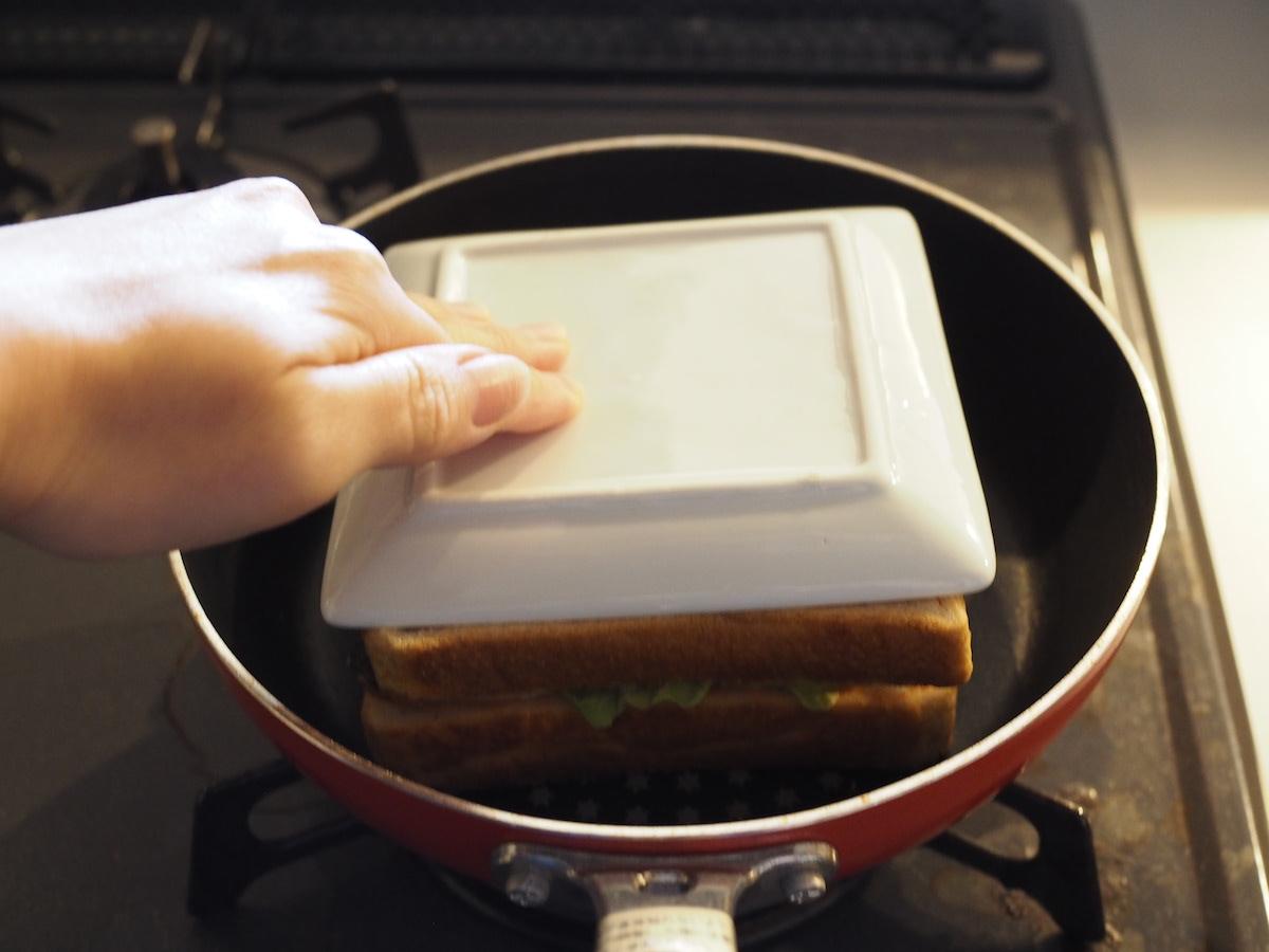 子供と家庭でキャンプ料理の学習をするレシピ