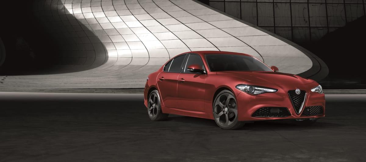 高級車、スポーツ車といえばFRの後輪駆動だったが、今やほとんどがFFの前輪駆動になっている是々非々