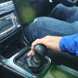 「ダブルクラッチ」に「吹かしてエンジンオフ」! 平成世代には摩訶不思議な自動車儀式9つ