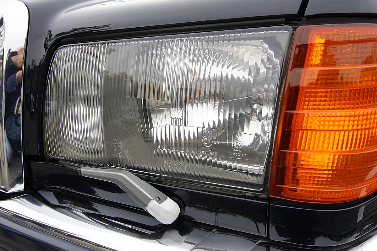ガラス製ヘッドライトがなくなったワケ