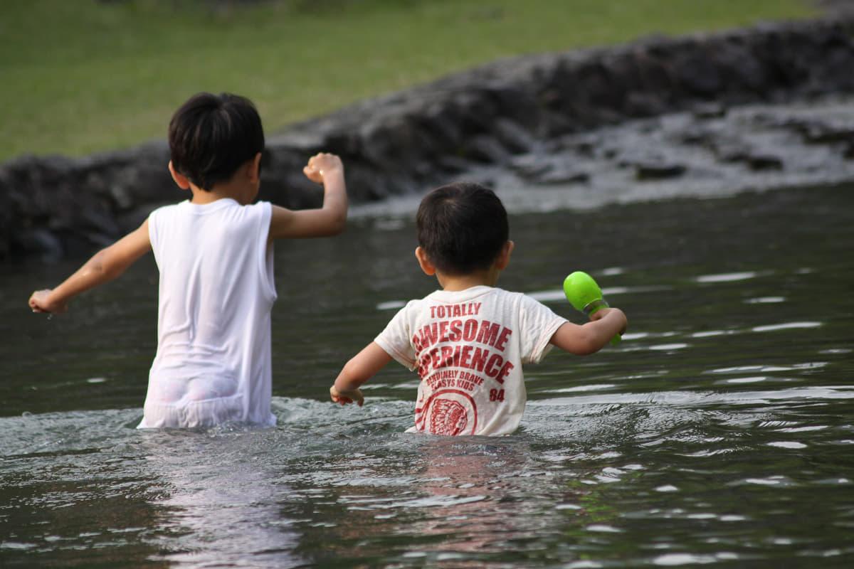 「ヘリ探索サービス」まで登場! 子供とキャンプを楽しむ時の注意点と緊急時のお助けグッズ