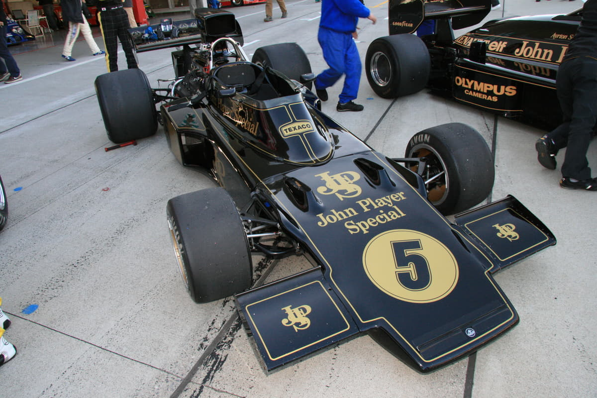 F1GPを初めモータースポーツ界をスポンサーとして支えたきたタバコブランドは世界中に知れ渡っていた