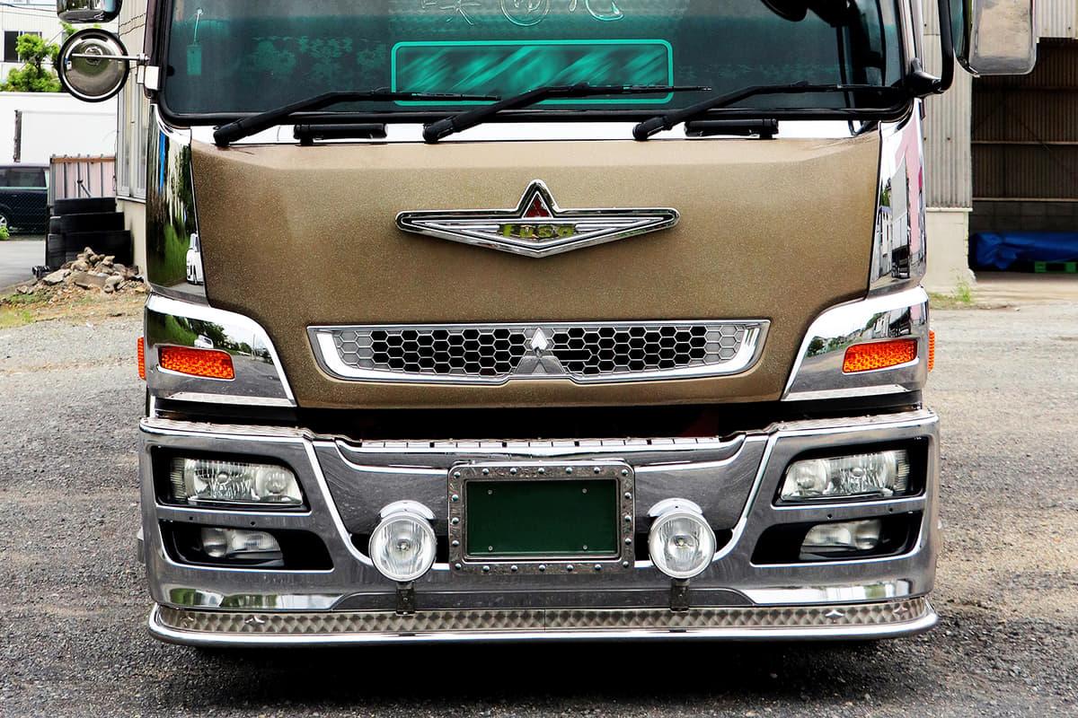 シンプルメイクで飾ったデコトラ(アートトラック)を紹介