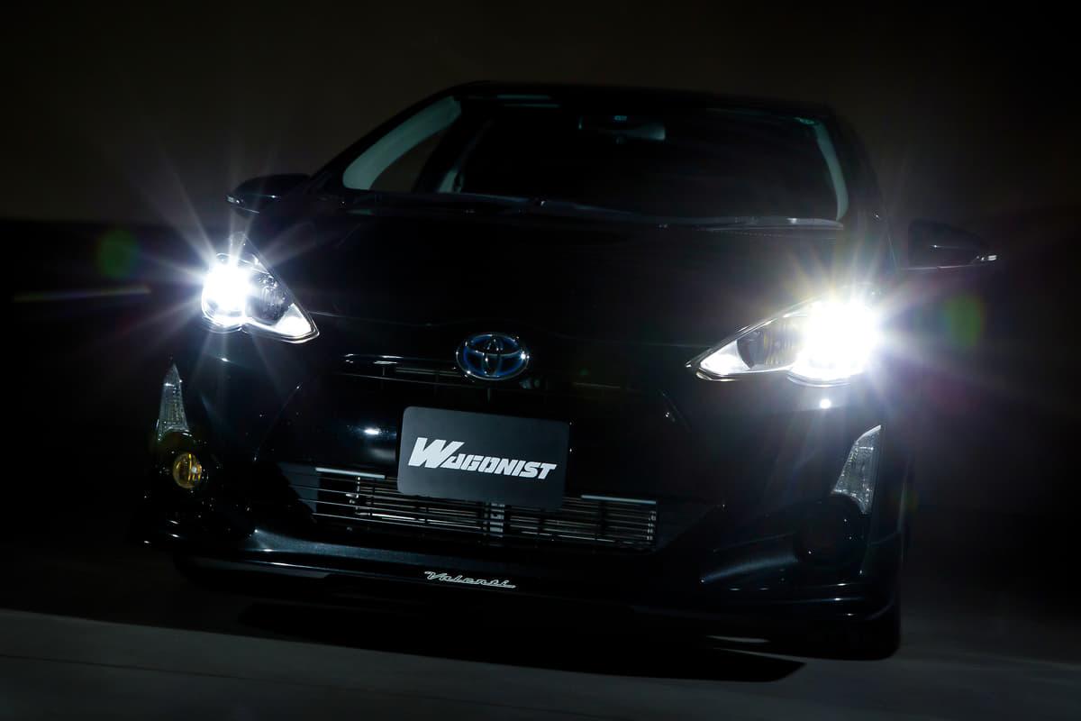 LEDヘッドライトに交換をしたトヨタ・アクア