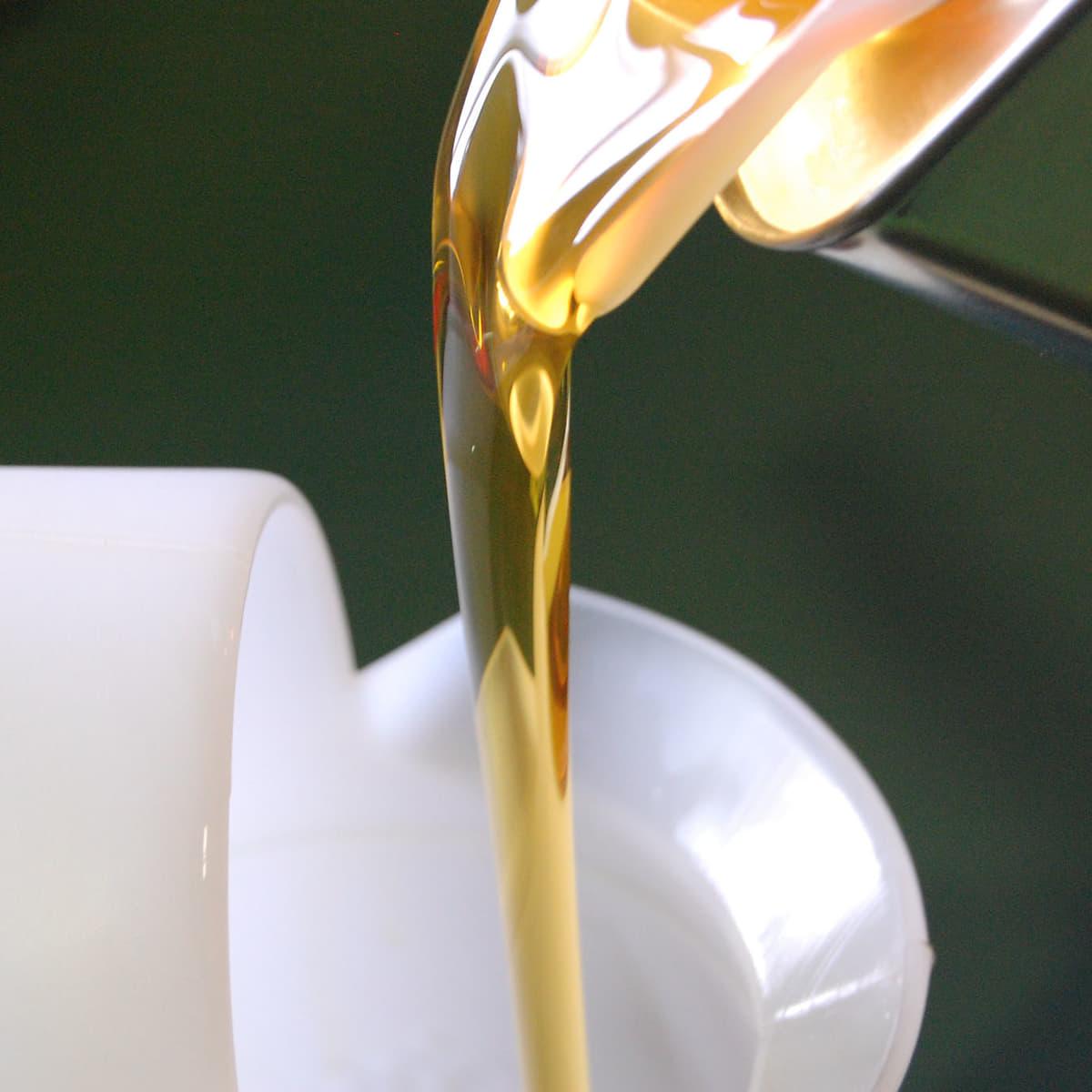 化学合成油でも種類によってはシール適合性に問題ないものがある