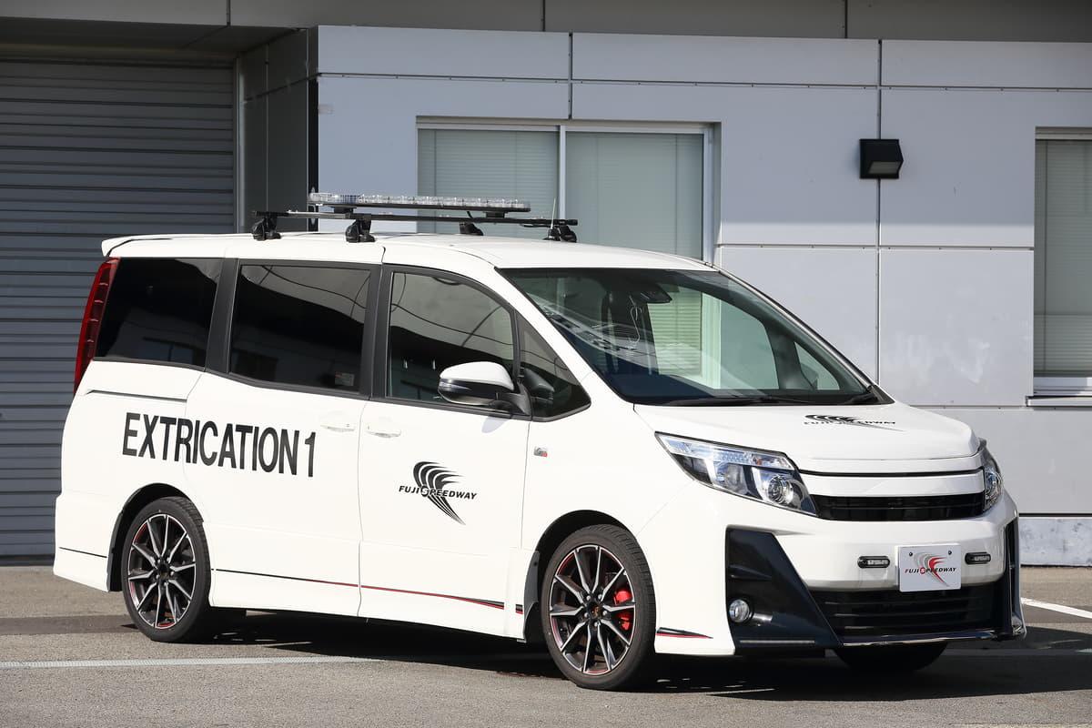 FSWエクストレリケーションカーのトヨタ・ノアG's